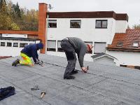 vor dem Winter wird das Dach noch dicht gemacht